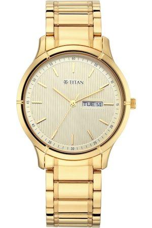 Titan Men Yellow Analogue Watch 1775YM02