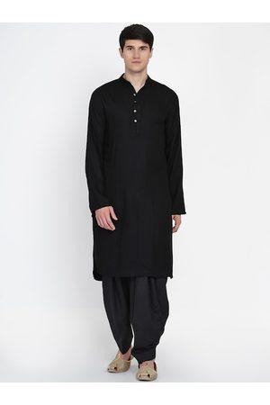 Baawara By Bhama Men Black Pleated Pure Cotton Kurta with Pyjamas