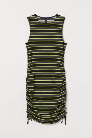 H & M Ribbed jersey dress