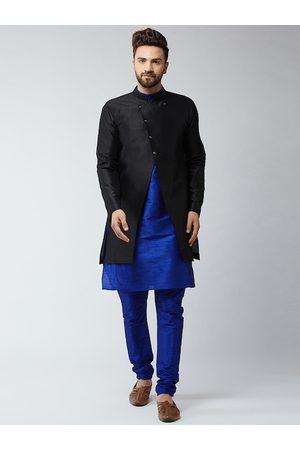 SOJANYA Men Black & Blue Solid Sherwani Set