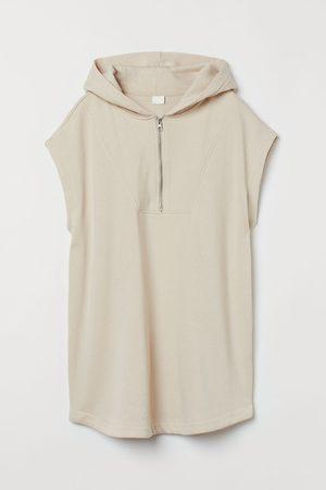 H & M Sleeveless hoodie