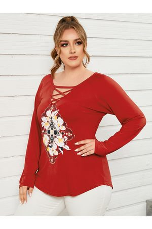 YOINS Plus Size Graphic Criss-Cross Long Sleeves Tee