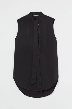 H&M Pin-tuck tie-detail blouse