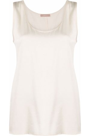 12 STOREEZ Scoop-neck sleeveless top