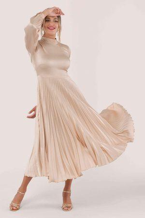 Closet Women Midi Dresses - Long Sleeve Pleated Midi Dress