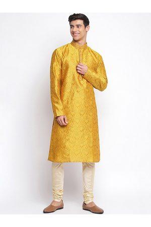 Sanwara Men Yellow Regular Kurti with Pyjamas