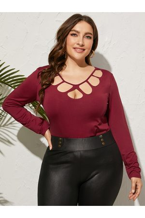YOINS Plus Size Round Neck Cut Out Long Sleeves Tee