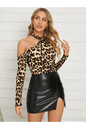 YOINS Leopard Cut Out Halter Long Sleeves Tee