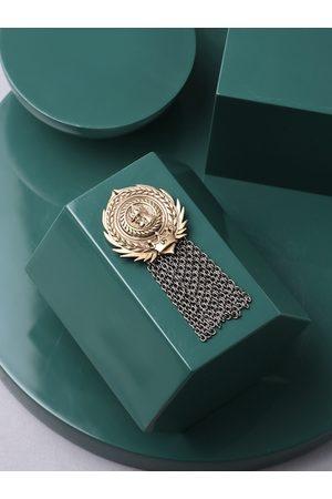 COSA NOSTRAA Men Metallic & Gold-Toned Russia Coin brooch