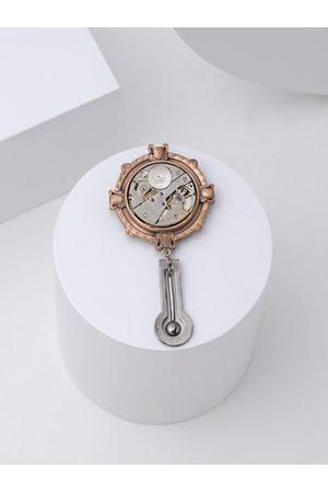 COSA NOSTRAA Men Metallic & Gold Pendulum Brooch