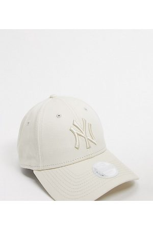 New Era Women Hats - Exclusive 9Forty NY cap in off tonal