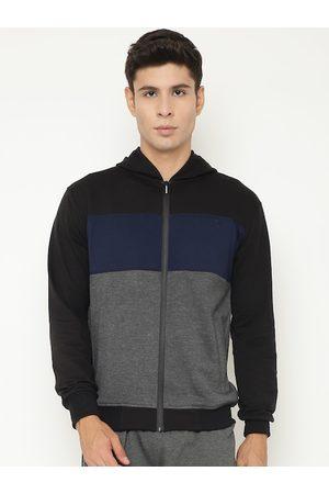 Chkokko Men Black & Blue Colourblocked Fleece Sporty Jacket