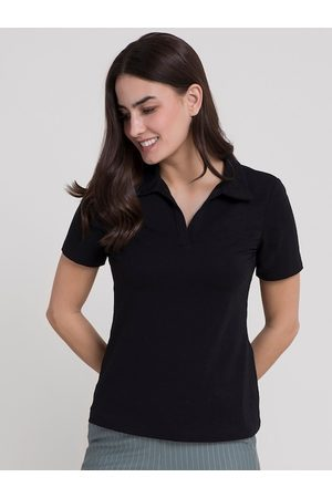 FableStreet Women Black V-Neck Pockets T-shirt