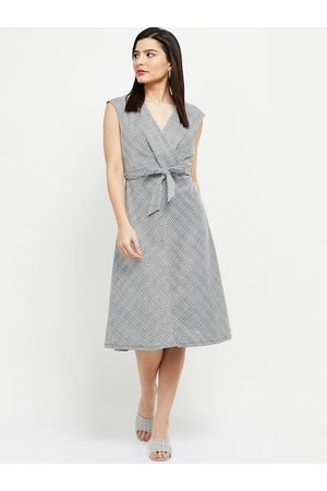 Max Collection White & Black Checked A-Line Dress With Tie-Ups Detailing