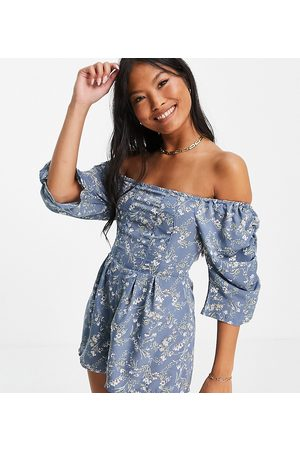 Missguided Ditsy floral playsuit in