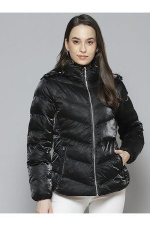 Fort Collins Women Parkas - Women Black Solid Parka Jacket with Detachable Hood