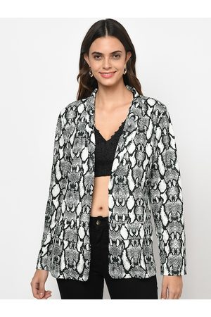 iki chic Women White Lightweight Longline Outdoor Tailored Jacket