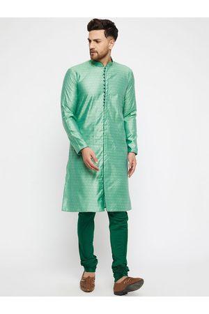 Vastramay Men Green Kurti with Pyjamas