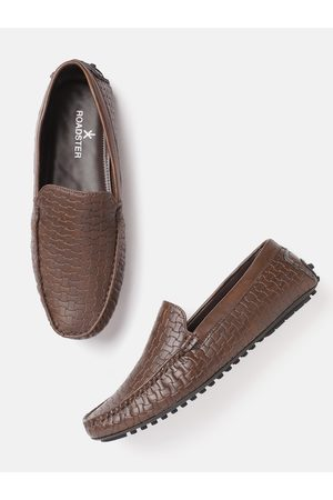 Roadster Men Coffee Brown Basket Weave Textured Driving Shoes