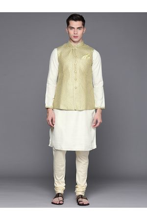 MANU Men Off White Regular Thread Work Kurta with Churidar